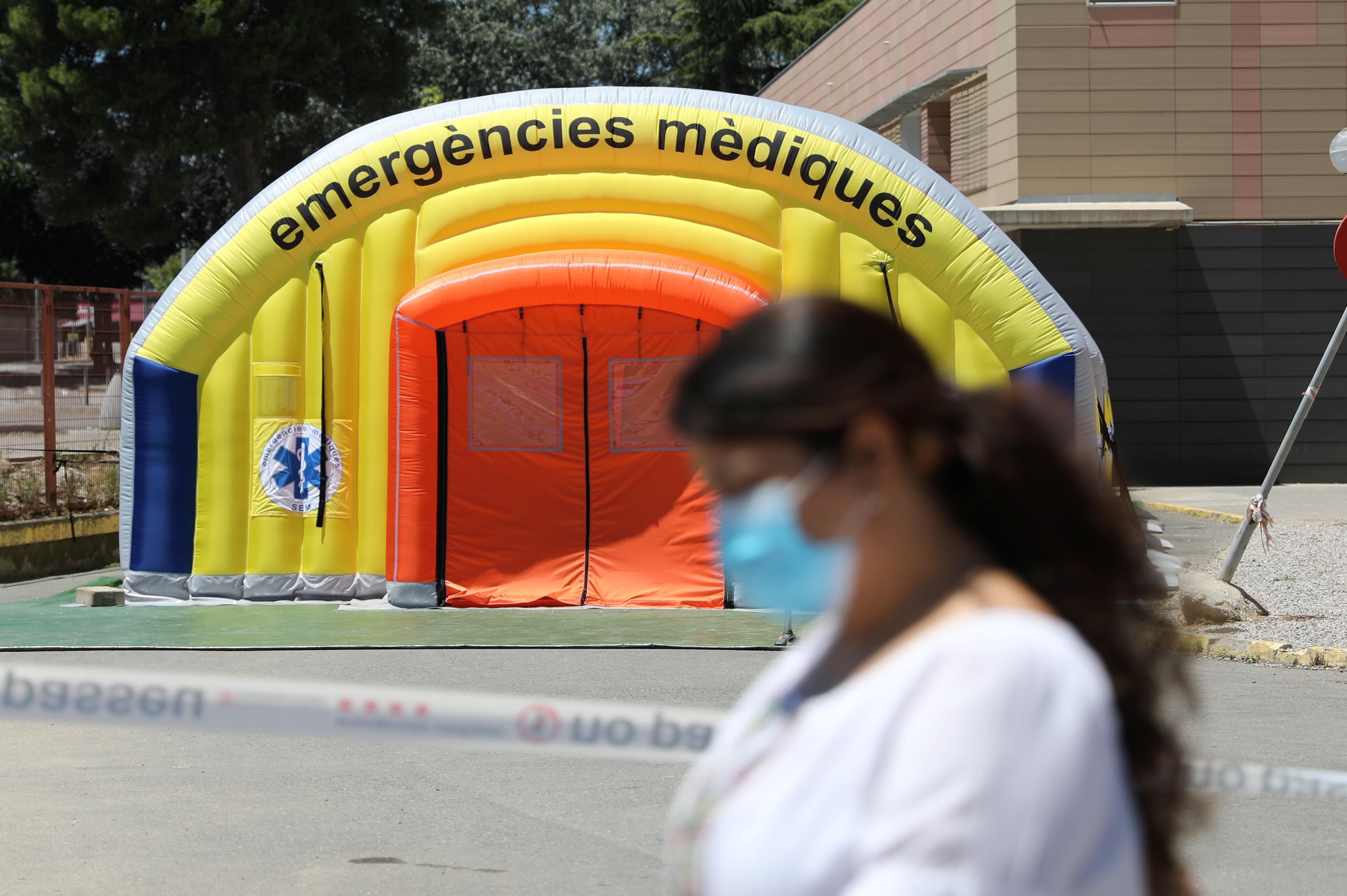 Espanha determina confinamento de 200.000 pessoas e focos de coronavírus aumentam no mundo