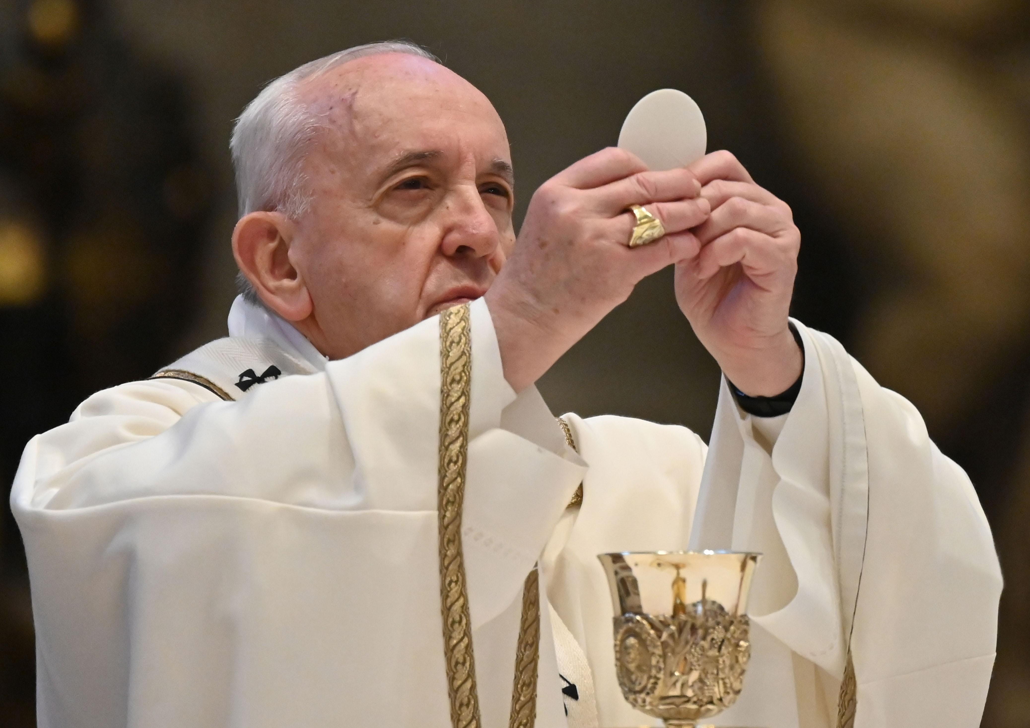 Papa Francisco pede que comunidade internacional ajude Líbano a superar tragédia e crise
