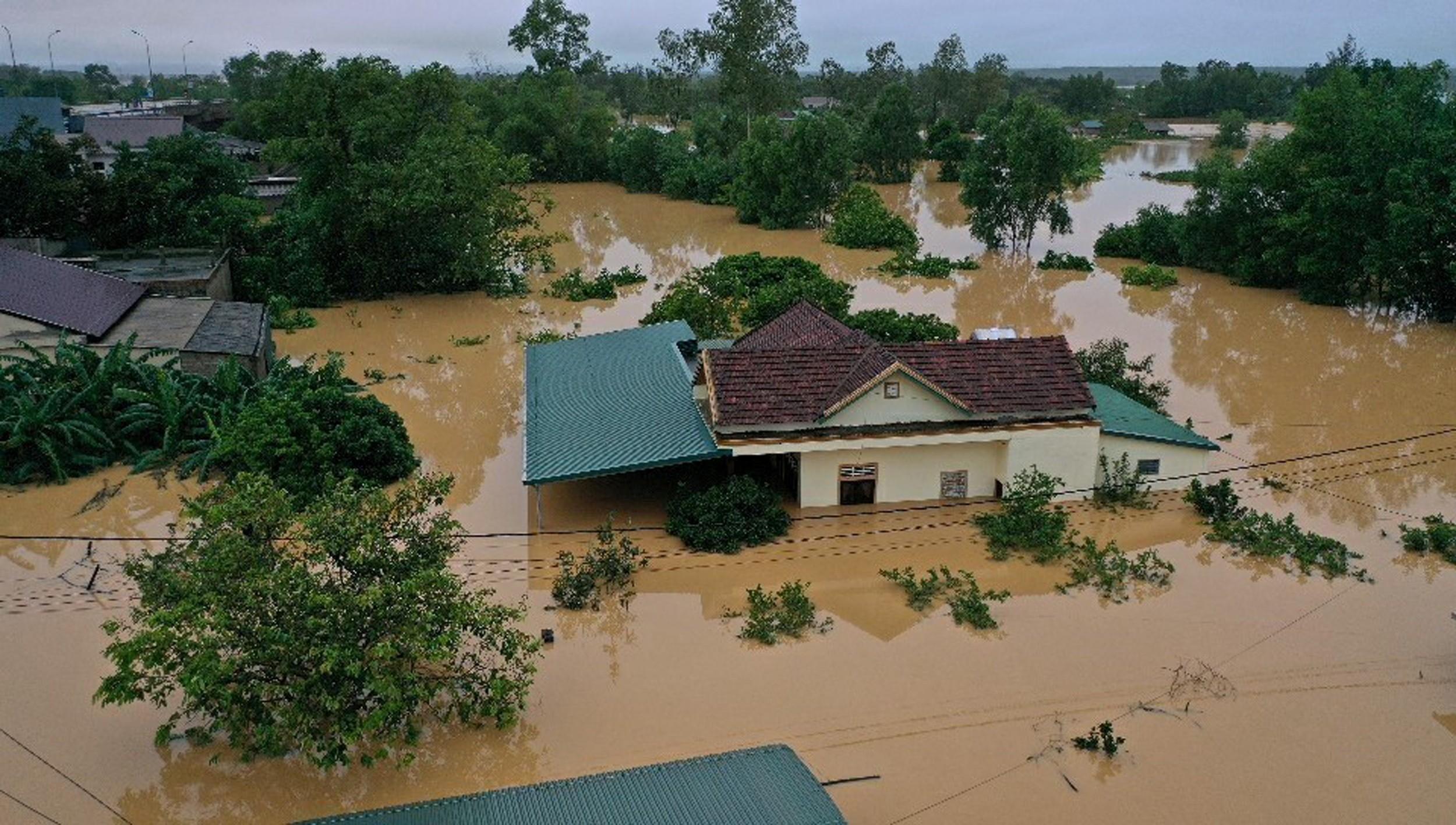 Deslizamento de terra no Vietnã mata 11 soldados e 11 estão desaparecidos