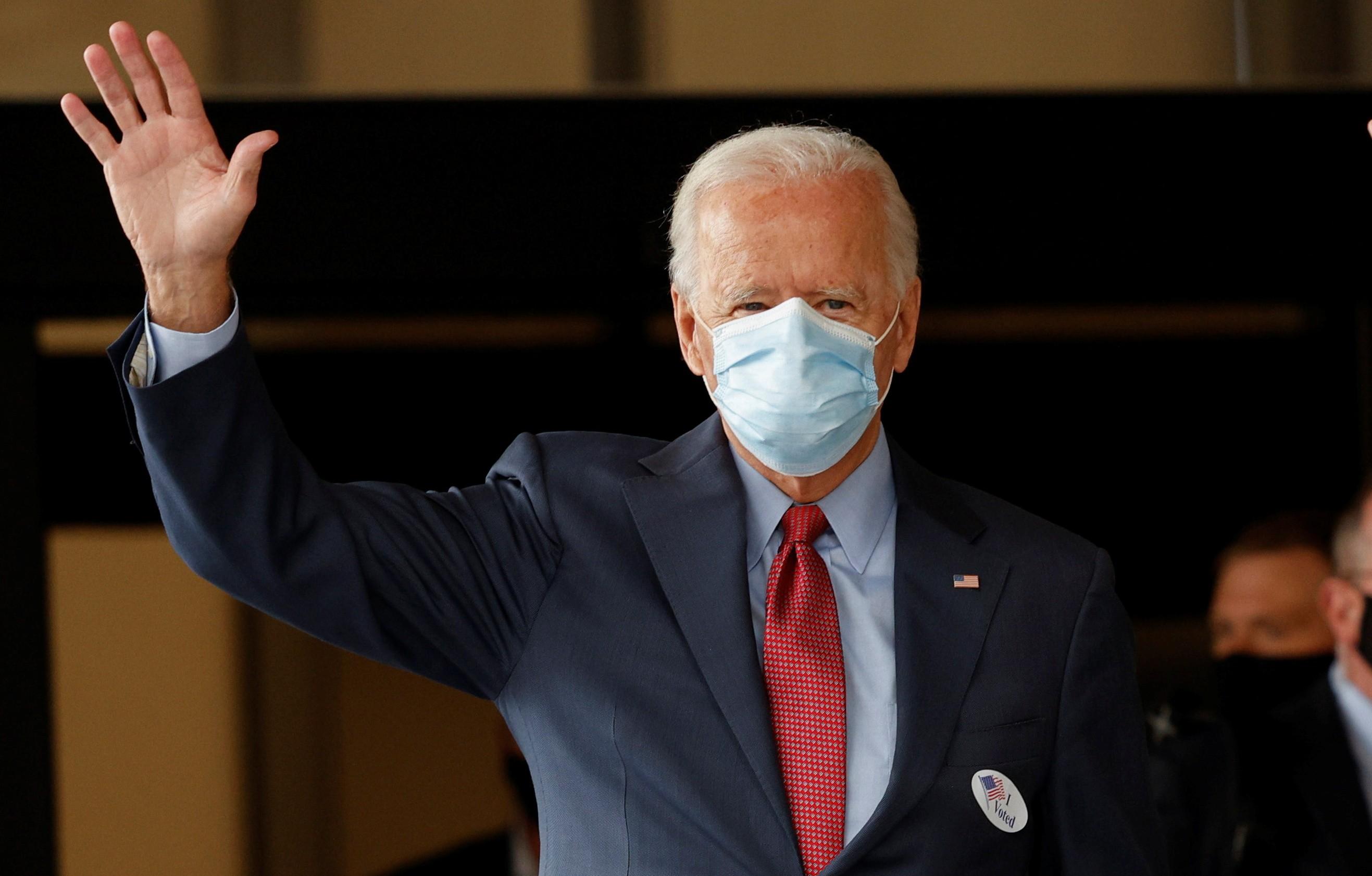 Biden vota nas eleições presidenciais dos EUA