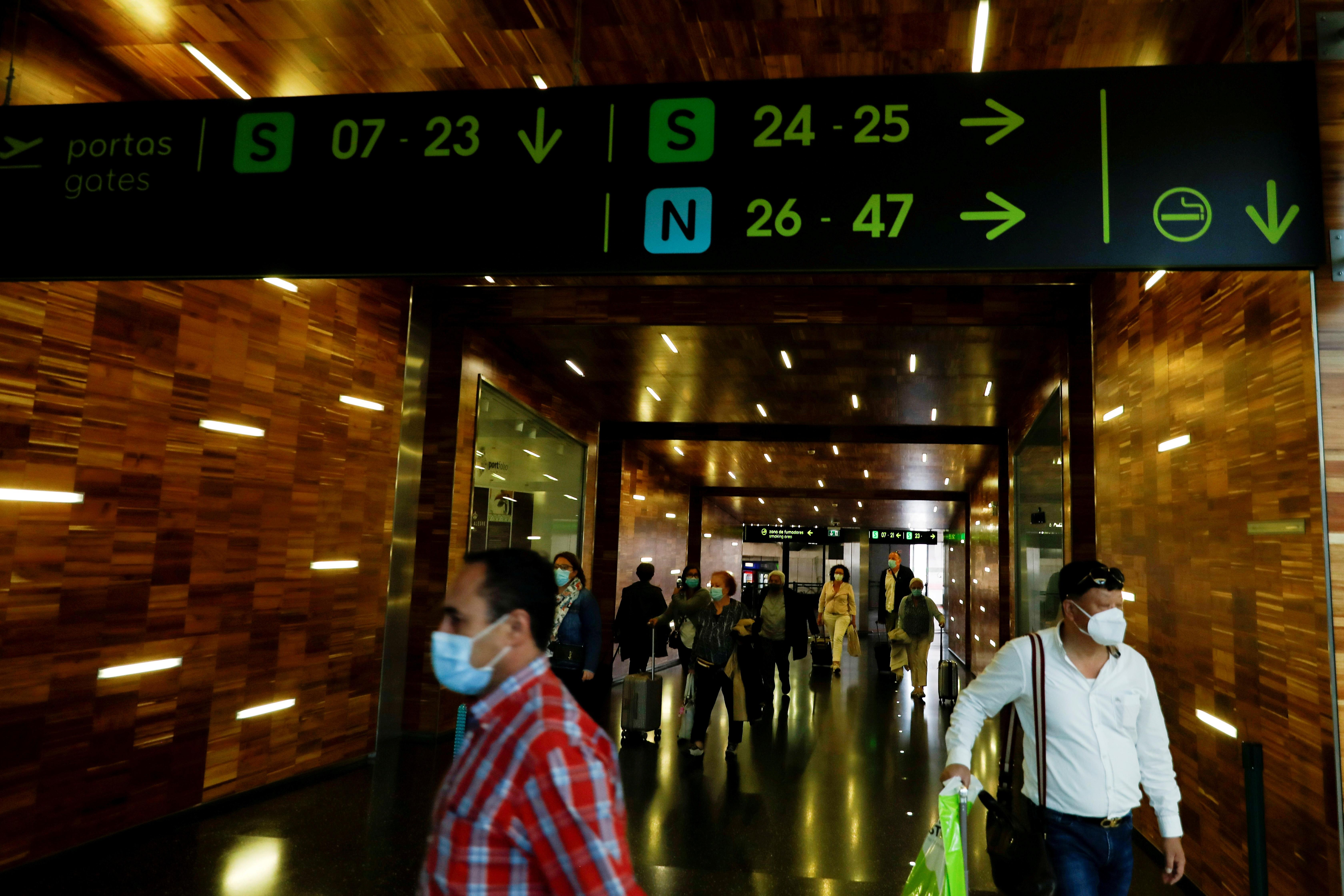 Portugal exigirá quarentena de passageiros em voos indiretos do Brasil e do Reino Unido